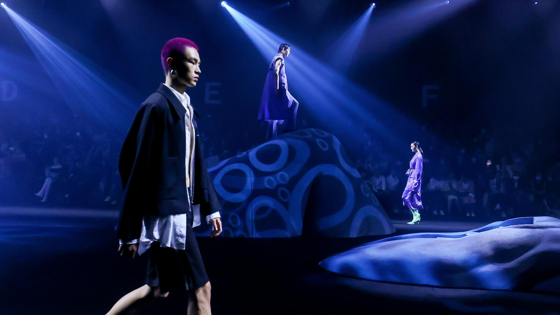 DJFL SS22「異世浮生」上海时装周大秀精彩呈现插图(1)
